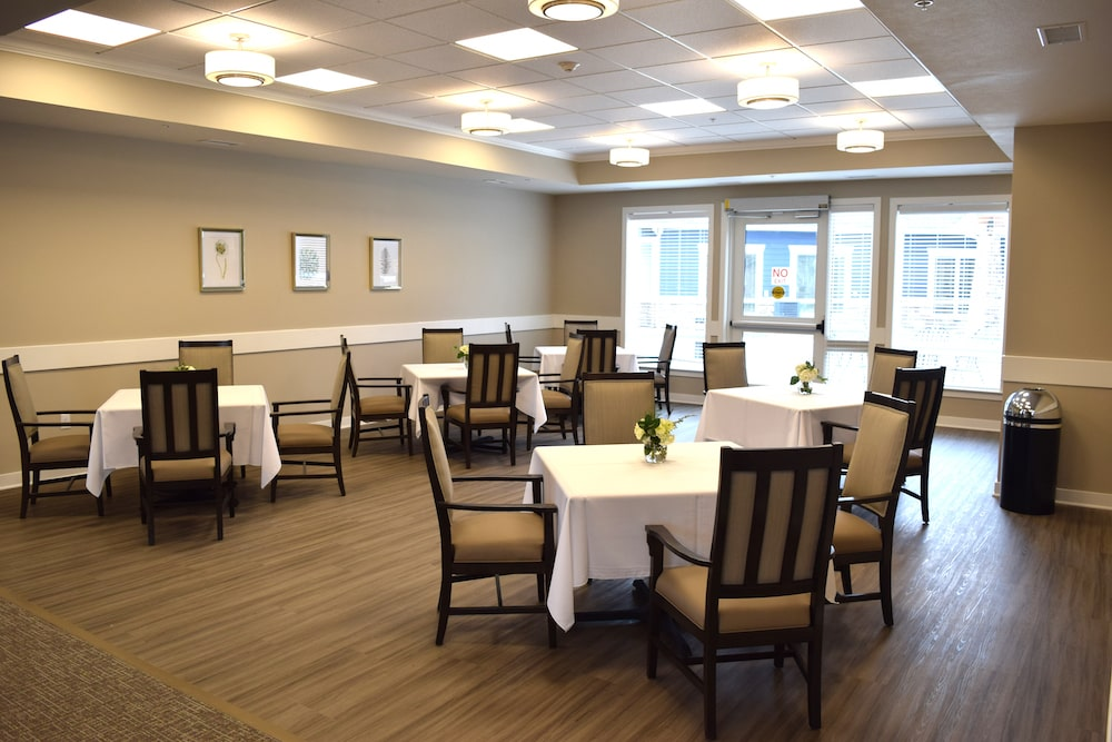 Healthcare Dining Room